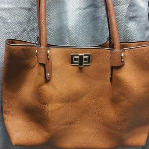 KATHY IRELAND  Hand Bag & Change Pouch
